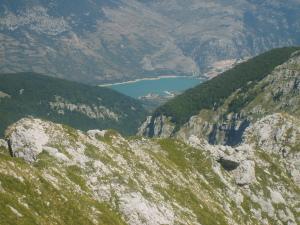 Il lago da Monte Petroso